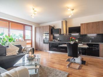 Prodej bytu 3+kk v osobním vlastnictví, 67 m2, Praha 10 - Uhříněves