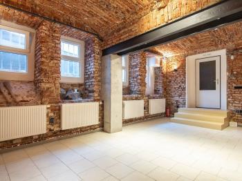 Pronájem komerčního prostoru (kanceláře) v osobním vlastnictví, 89 m2, Praha 4 - Podolí