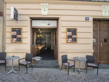 Pronájem komerčního prostoru (obchodní) v osobním vlastnictví, 98 m2, Praha 2 - Vyšehrad