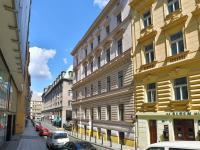 Pohled na dům - Pronájem bytu 3+1 v osobním vlastnictví 116 m², Praha 1 - Nové Město