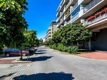 Prodej bytu 1+kk v osobním vlastnictví, 34 m2, Praha 8 - Troja