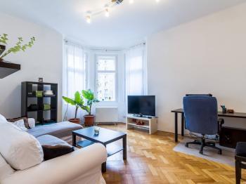 Pronájem bytu 2+kk v osobním vlastnictví, 42 m2, Praha 5 - Smíchov