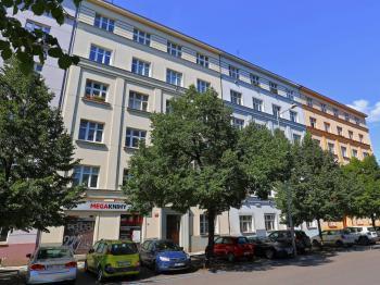 Prodej bytu 2+1 v družstevním vlastnictví, 70 m2, Praha 3 - Žižkov