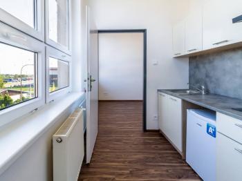 Pronájem bytu 1+1 v osobním vlastnictví, 25 m2, Zeleneč