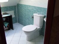 wc v 2.NP (Prodej domu v osobním vlastnictví 170 m², Jeseník)