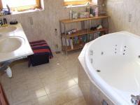 koupelna v 2.NP (Prodej domu v osobním vlastnictví 170 m², Jeseník)