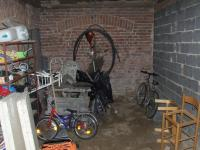 garáž (Prodej domu v osobním vlastnictví 220 m², Mikulovice)