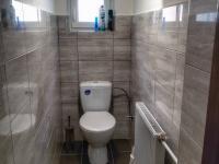 1.NP toaleta - Prodej domu v osobním vlastnictví 150 m², Velké Kunětice