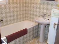 koupelna - Prodej domu v osobním vlastnictví 132 m², Česká Ves