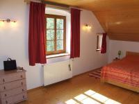 ložnice v 2.NP - Prodej domu v osobním vlastnictví 260 m², Petrovice