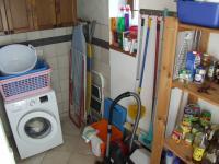 techn.místnost s prádelkou a špíz - Prodej domu v osobním vlastnictví 260 m², Petrovice