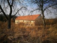 Prodej komerčního objektu 720 m², Milešovice