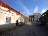 dvůr (Prodej komerčního objektu 2668 m², Stěžery)