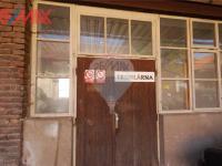 vchod do truhlárny (Prodej komerčního objektu 2668 m², Stěžery)