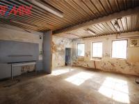 truhlárna (Prodej komerčního objektu 2668 m², Stěžery)