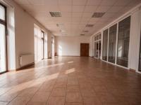 Pronájem obchodních prostor 150 m², Hradec Králové
