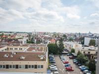 výhled do okolí (Pronájem bytu 1+kk v osobním vlastnictví 30 m², Hradec Králové)