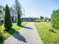 pozemek (Prodej domu v osobním vlastnictví 330 m², Hradec Králové)