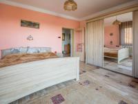 ložnice - přízemí (Prodej domu v osobním vlastnictví 330 m², Hradec Králové)