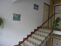 vchod do bytu (Prodej bytu 2+1 v osobním vlastnictví 57 m², Jihlava)