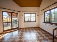 obývací pokoj - Prodej domu v osobním vlastnictví 190 m², Býšť