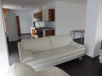 obývací část - Pronájem bytu 3+kk v osobním vlastnictví 93 m², Pardubice