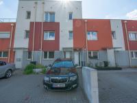 parkovací stání před domem - Prodej bytu 3+kk v osobním vlastnictví 114 m², Častolovice