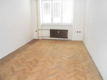 Pronájem bytu 2+1 v osobním vlastnictví 57 m², Hradec Králové