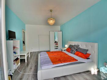 Ložnice - Prodej bytu 2+1 v družstevním vlastnictví 62 m², Hradec Králové