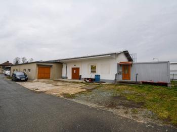 Pohled na celý objekt  - Pronájem výrobních prostor 361 m², Dobruška