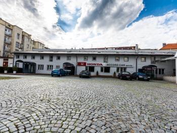 Pronájem komerčního prostoru (kanceláře) v osobním vlastnictví, 206 m2, Hradec Králové