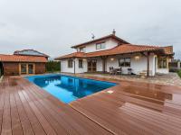 Prodej domu v osobním vlastnictví 380 m², Jesenice