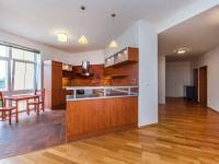 Prodej bytu 4+kk v osobním vlastnictví 157 m², Praha 10 - Dolní Měcholupy