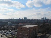 Západní výhledy z ložnice - Prodej bytu 2+kk v osobním vlastnictví 55 m², Praha 10 - Michle