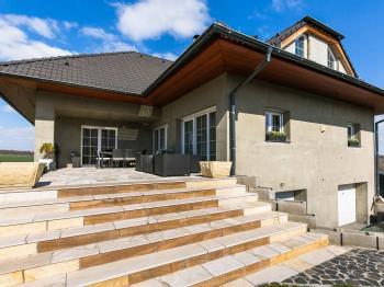 Prodej domu v osobním vlastnictví, 422 m2, Bašť