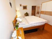 Ložnice - Prodej bytu 2+kk v osobním vlastnictví 57 m², Praha 8 - Karlín
