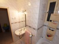 Koupelna pohled č.2 - Prodej bytu 2+kk v osobním vlastnictví 57 m², Praha 8 - Karlín