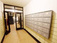 Přízemí pohled od vst. dveří - Prodej bytu 2+kk v osobním vlastnictví 57 m², Praha 8 - Karlín