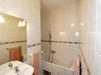 Koupelna - Prodej bytu 2+kk v osobním vlastnictví 57 m², Praha 8 - Karlín