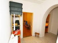 Předsíň pohled od vst. dveří - Prodej bytu 2+kk v osobním vlastnictví 57 m², Praha 8 - Karlín