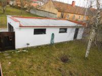 garáž - Prodej domu v osobním vlastnictví 140 m², Jevišovice