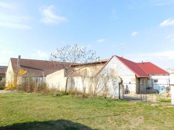 Prodej domu v osobním vlastnictví 235 m², Hluboké Mašůvky