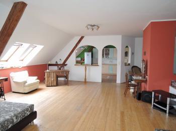 Prodej bytu 3+1 v osobním vlastnictví, 156 m2, Znojmo
