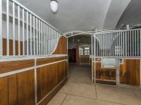 Stáje (Prodej zemědělského objektu 1900 m², Chříč)