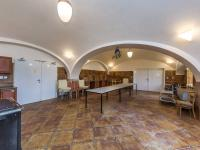 Společenská místnost I. (Prodej zemědělského objektu 1900 m², Chříč)