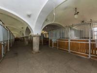 Prodej zemědělského objektu 1900 m², Chříč