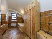 Byt (Prodej zemědělského objektu 1900 m², Chříč)