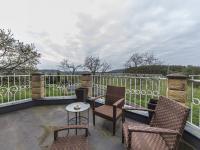 Pohled z terasy (Prodej domu v osobním vlastnictví 300 m², Žernov)