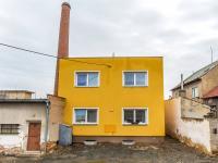 Pohled na bytový dům (Prodej nájemního domu 2300 m², Rakovník)