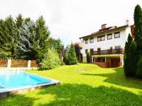Prodej domu v osobním vlastnictví 399 m², Praha 10 - Petrovice
